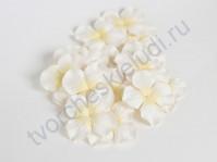 Лепестки гортензии большие 5 см, 10 шт, цвет белый с желтой серединкой