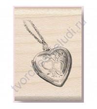 Штамп из резины на деревянной оснастке Heart Locket (Кулон-сердце), 3х4.5 см