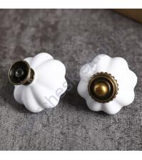 Декоративный элемент Ручка для шкатулки Ретро, 3.3х3.3х3.8 см, цвет белая керамика