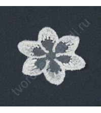 Вязаный элемент Цветок, размер 3.5 см, цвет белый, 1 штука